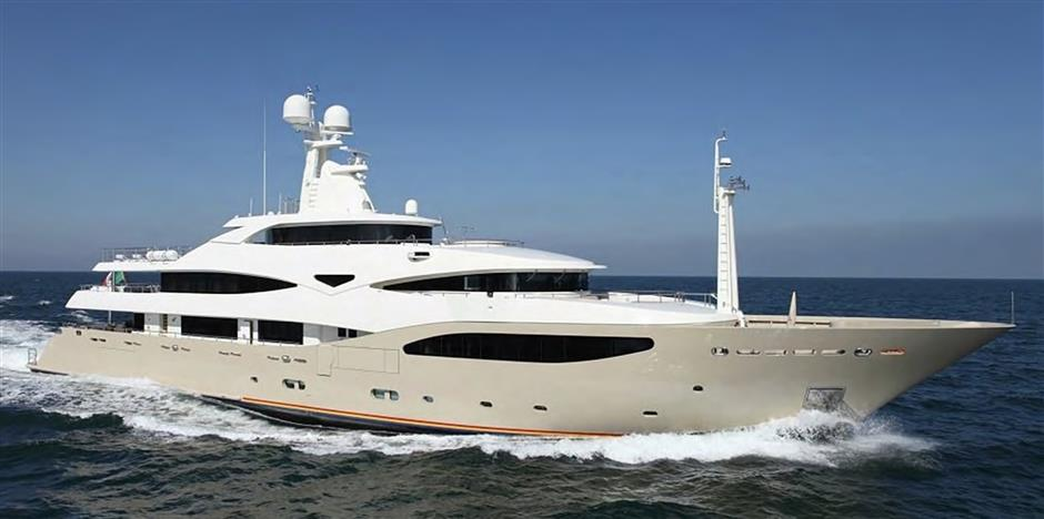 Crn Motor Yacht LIGHT HOLIC For Sale