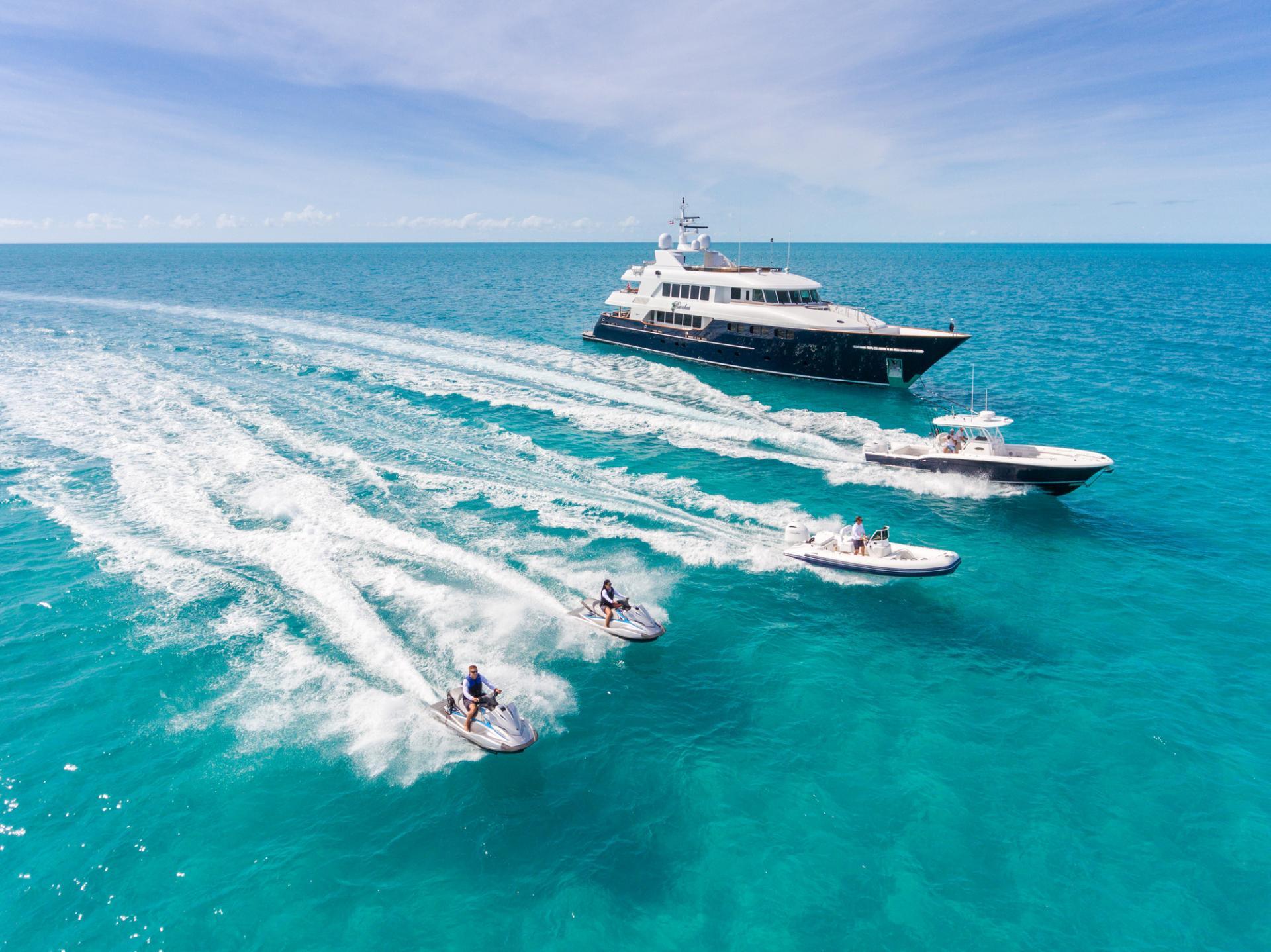 Bacchus-yacht
