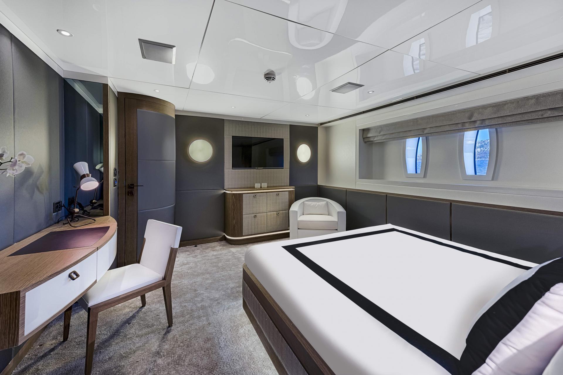 Liquid-Sky-47m-CMB-Yacht-VIP2