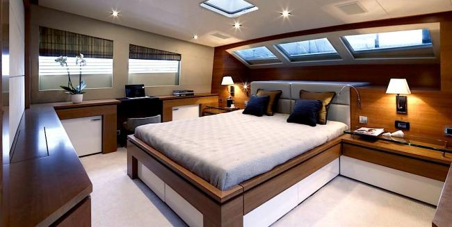 Yacht Arion upper VIP