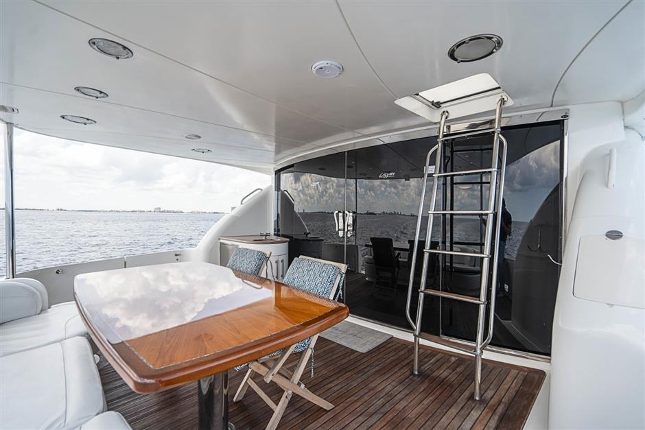 Lazzara Motor Yacht RENDEZVOUS For Sale